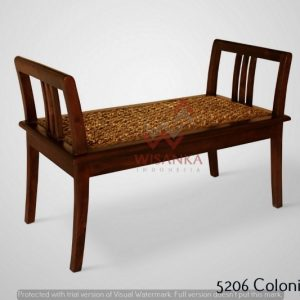 Colonial Wicker Bench