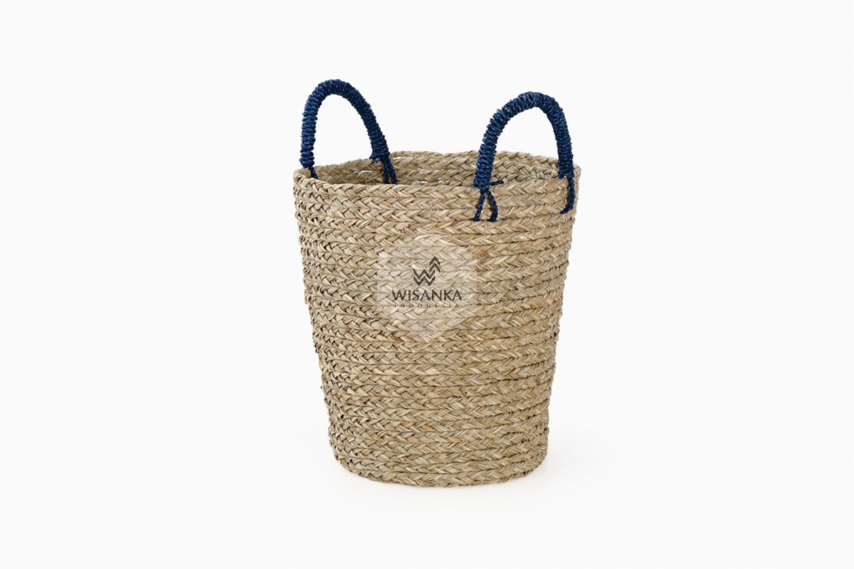 Pandan Basket with Dark Handle for Web